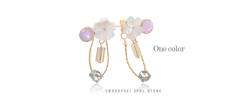 [ 4xtyle ] Swarovski Boutique Flower Earring, One Color