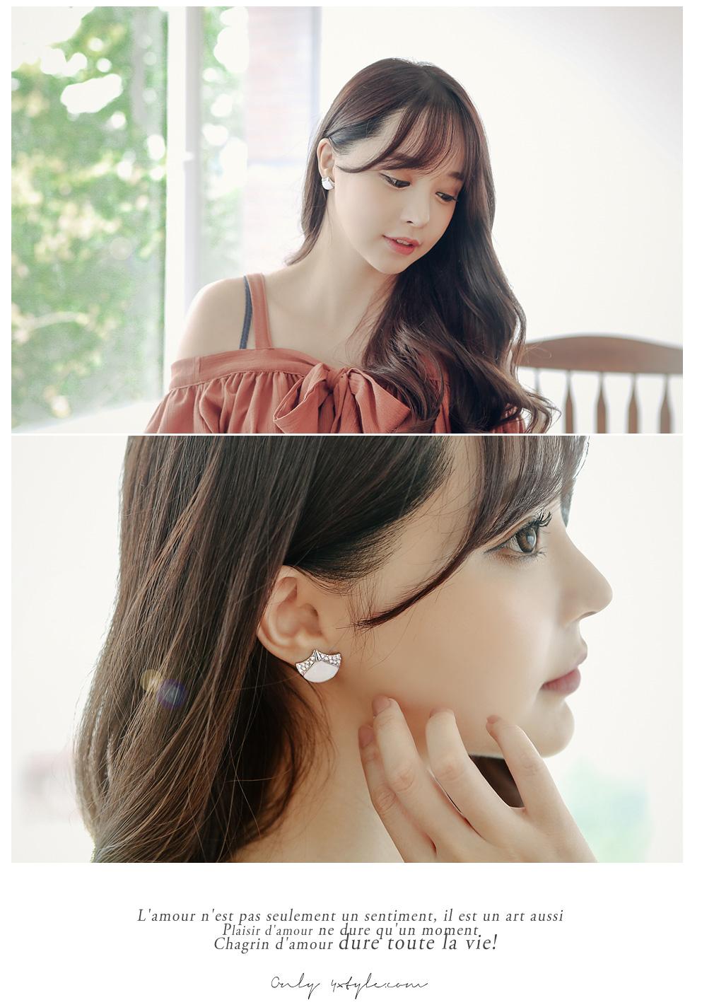 [ 4xtyle ] Ginkgo Leaf Earring, 2 Colors