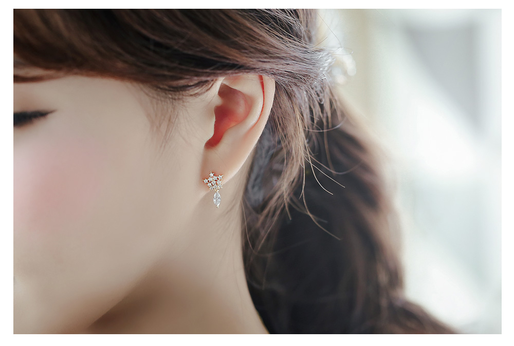 [ 4xtyle ] [SILVER] DAILY SNOW FLOWER EARRING (WHITE GOLD)