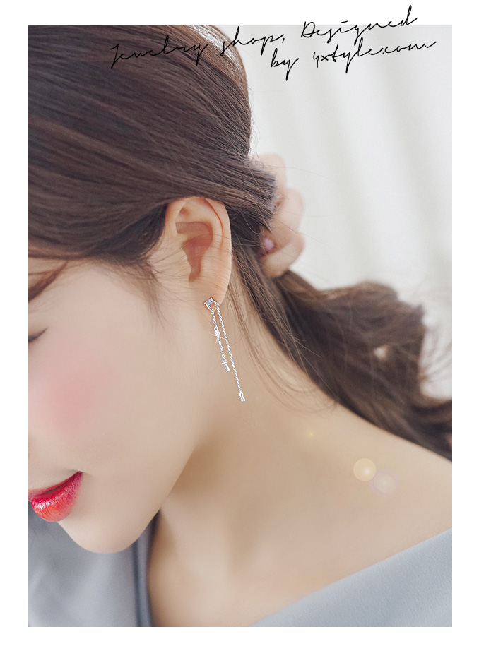 [ 4xtyle ] [SILVER] SHALL WE KISS EARRING (WHITEGOLD)