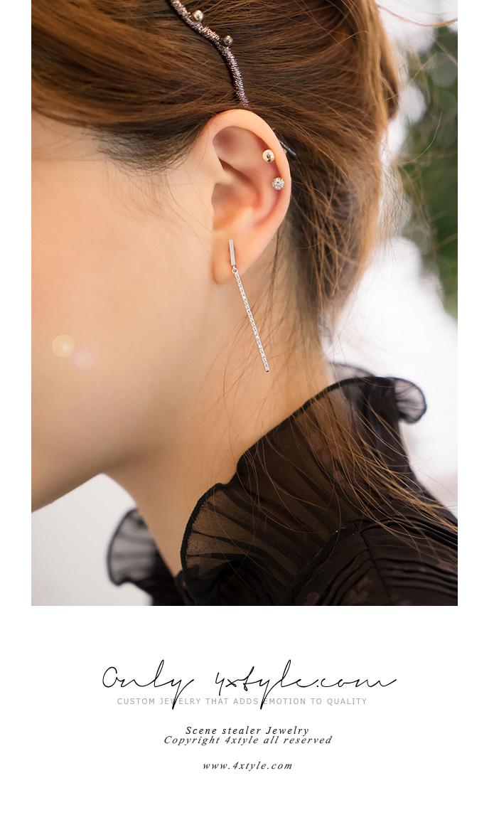 [ 4xtyle ] [SILVER] UNBALANCE STICK DROP EARRING(WHITEGOLD)