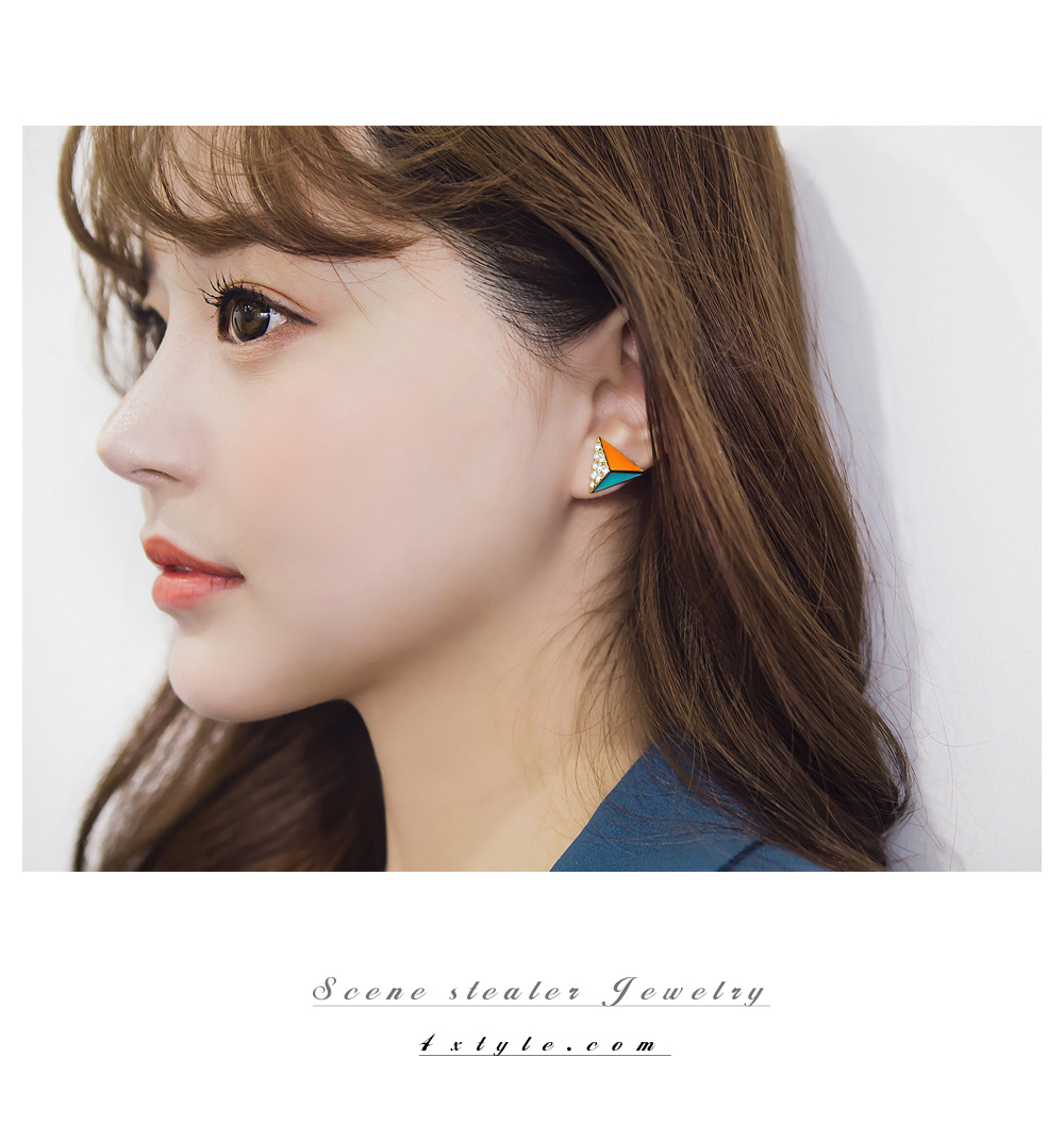 [ 4xtyle ] TRIANGLE DARLING EARRING