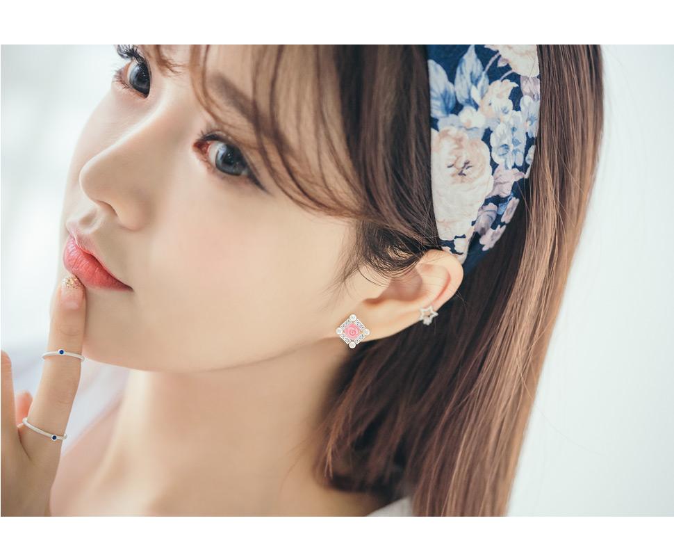 [ 4xtyle ] [SILVER] BLING IN ROSE EARRING